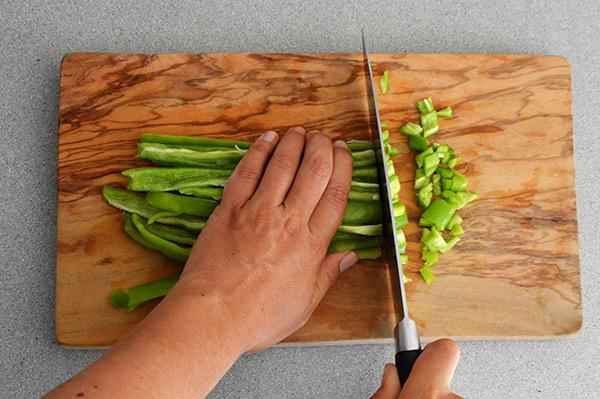 cortando-mas-el-pimiento
