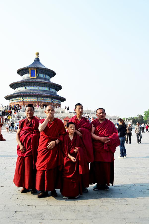 monjes-templo